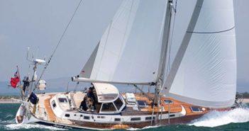 Helrenoverad Hallberg-Rassy 46 från Adams Boat Care AB