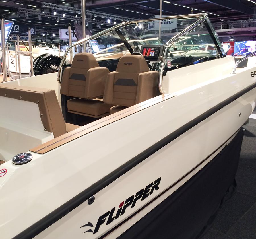 flipper-boat
