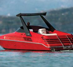 Riva Ferrari 32 speedboat