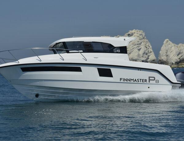Finnmaster Pilot 8 Cabin – kabinbåt för familjen
