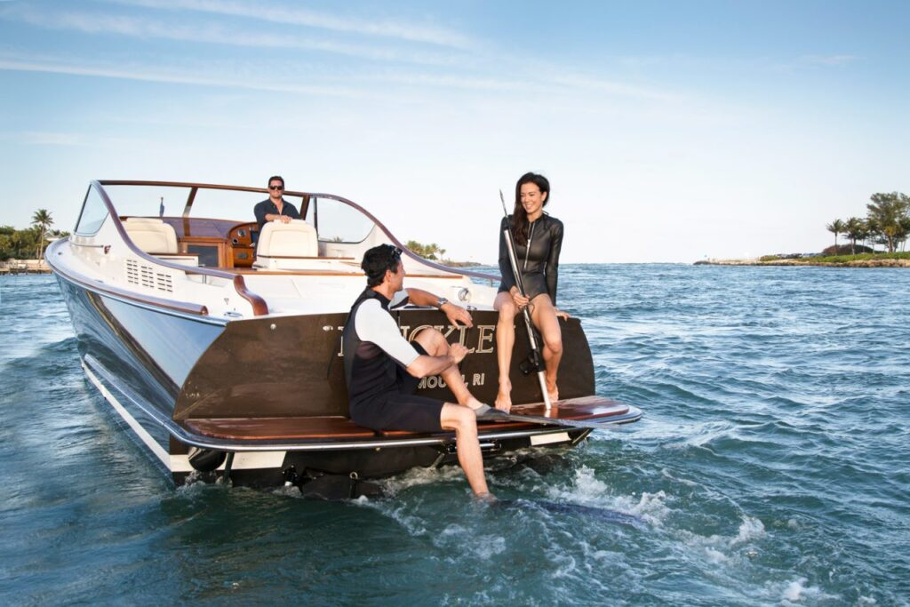 Hickley Yachts Runabout 34