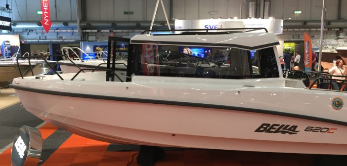 Bella powerboat