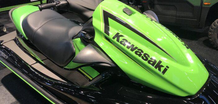 Grön Kawasaki foto från båtmässan 2019
