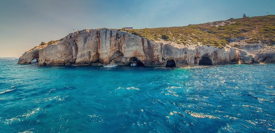 Kryssning - bild på blå grottorna i Grekland