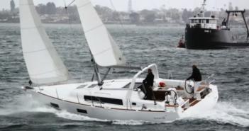 Oceanis segelbåt